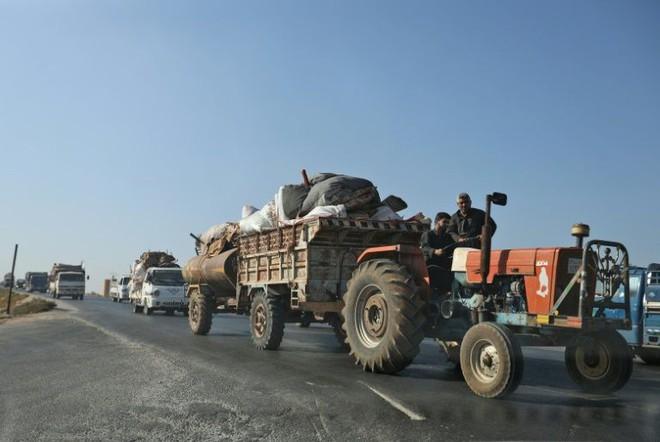 Chùm ảnh quân Assad đánh cho kẻ thù thua tan tác ở chiến trường khốc liệt Syria - Ảnh 8.