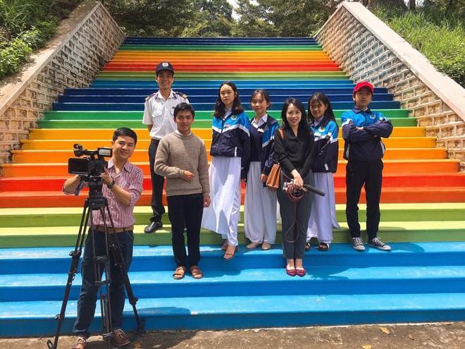 Phạt nhóm học sinh sơn cầu thang, sản phẩm của các em khiến nhà trường quyết đầu tư lớn - ảnh 12