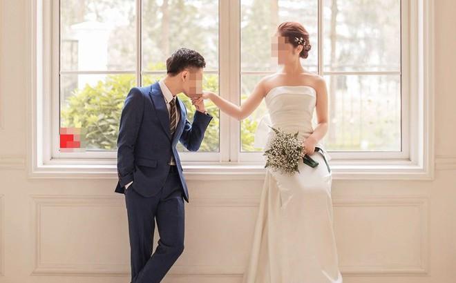 """Cô gái giật chồng sắp cưới của lớp trưởng vì 2 cái tát """"đỏ lựng mặt"""" thời đi học"""
