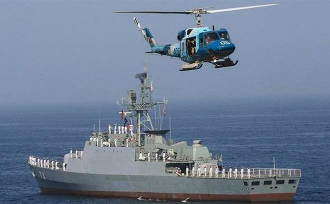 NÓNG: Khu trục hạm Iran chất đầy tên lửa hành trình xuất kích hộ tống tàu chở dầu