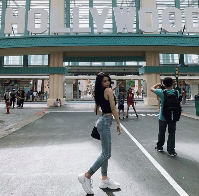 Hot girl 2002 Linh Ka ngày càng sexy, nóng bỏng - Ảnh 1.