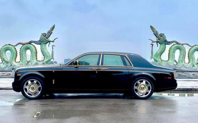 Chiếc Rolls-Royce Phantom rồng vàng phiên bản giới hạn lăn bánh gần 10 năm vẫn siêu đẹp