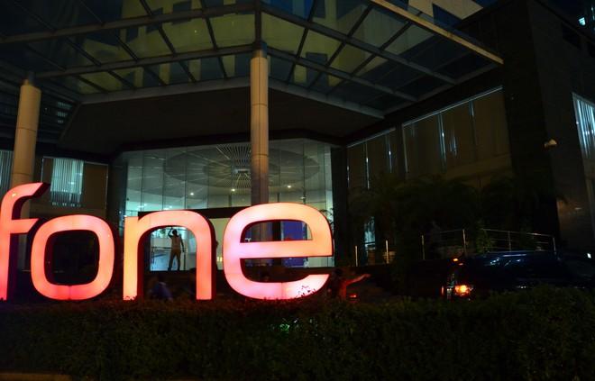 Công an, cán bộ VKS xuất hiện tại trụ sở MobiFone - Ảnh 5.