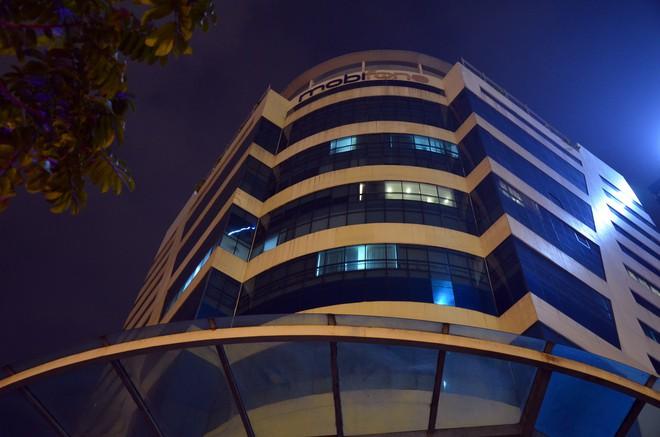 Công an, cán bộ VKS xuất hiện tại trụ sở MobiFone - Ảnh 7.