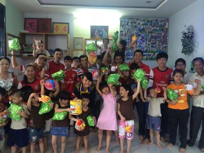 Người đàn ông cưu mang 250 bà mẹ đơn thân khiến Việt Hương chết lặng, Trấn Thành tặng tiền - Ảnh 4.