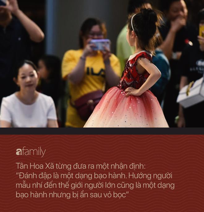 Nghề người mẫu nhí ở Trung Quốc: Bố mẹ lấy cớ trau dồi sự tự tin nhưng vô tình trở thành kẻ bạo hành, biến con thành cỗ máy kiếm tiền - Ảnh 6.