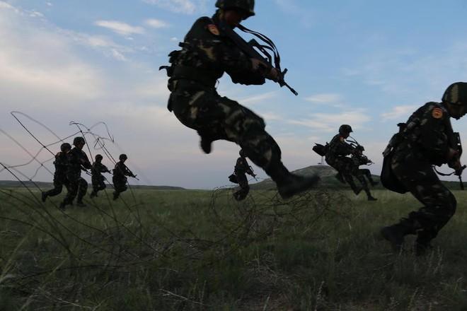 Bệnh hòa bình: Điểm yếu chí tử của Quân đội Trung Quốc - Ảnh 4.