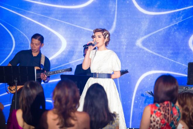 Nguyễn Hồng Nhung hội ngộ vợ cũ Bằng Kiều - Ảnh 4.