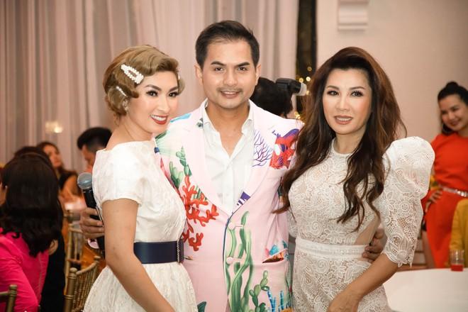 Nguyễn Hồng Nhung hội ngộ vợ cũ Bằng Kiều - Ảnh 2.