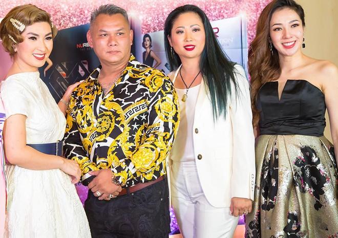 Nguyễn Hồng Nhung hội ngộ vợ cũ Bằng Kiều - Ảnh 1.