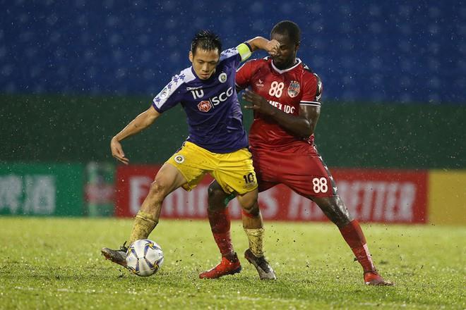 Nhìn Hà Nội thăng hoa tại AFC Cup lại tiếc khi Văn Quyết không được gọi lên ĐTQG - Ảnh 1.