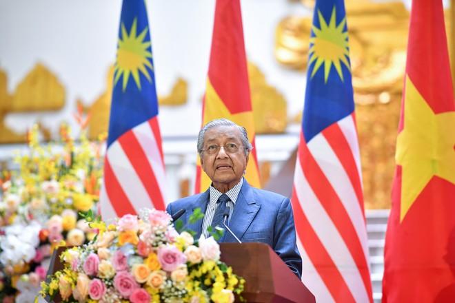 Toàn cảnh lễ đón Thủ tướng Malaysia 94 tuổi thăm chính thức Việt Nam - Ảnh 11.