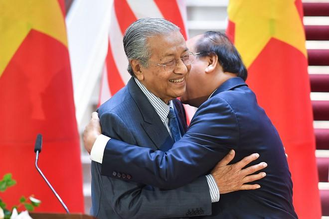 Toàn cảnh lễ đón Thủ tướng Malaysia 94 tuổi thăm chính thức Việt Nam - Ảnh 12.