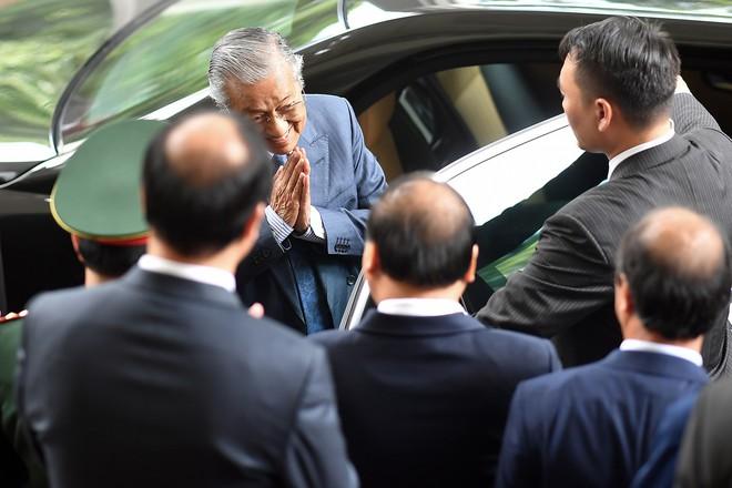 Toàn cảnh lễ đón Thủ tướng Malaysia 94 tuổi thăm chính thức Việt Nam - Ảnh 14.