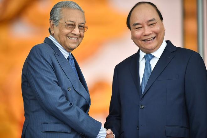 Toàn cảnh lễ đón Thủ tướng Malaysia 94 tuổi thăm chính thức Việt Nam - Ảnh 5.
