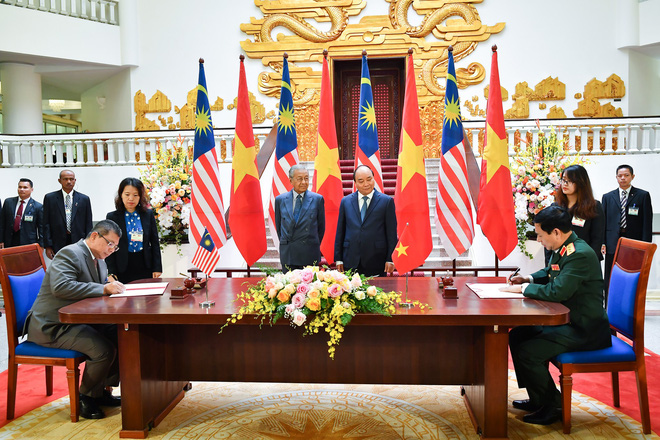 Toàn cảnh lễ đón Thủ tướng Malaysia 94 tuổi thăm chính thức Việt Nam - Ảnh 8.