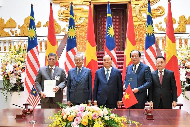 Toàn cảnh lễ đón Thủ tướng Malaysia 94 tuổi thăm chính thức Việt Nam - ảnh 9
