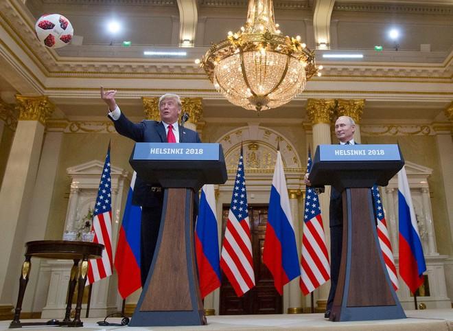 Ông Trump nằng nặc đòi mời ông Putin dự họp G7, tiện thể bóc mẽ: Trước đây ông Obama thua nên mới đuổi Nga! - Ảnh 1.