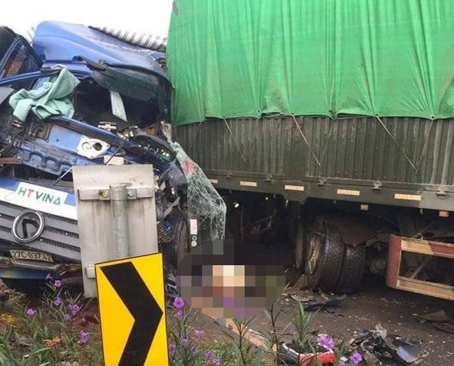 2 xe tải đâm nhau nát đầu ở Sơn La, 1 tài xế chết tại chỗ - Ảnh 2.