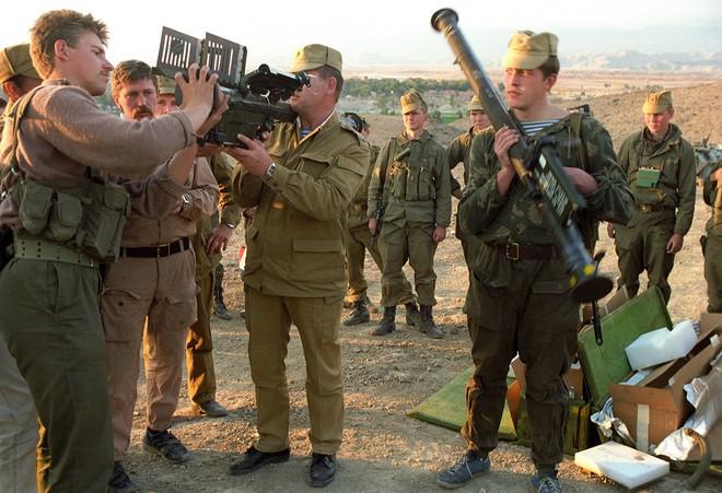 Báo Nga: CIA sử dụng viên đạn bạc Ukraine để chống phá Liên Xô suốt 40 năm - Ảnh 5.