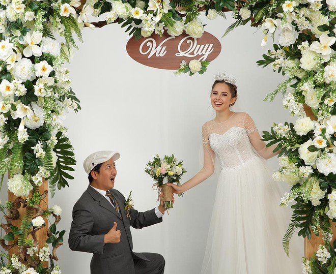 Ảnh cưới hài hước của Trường Giang và mẫu Tây - Ảnh 5.
