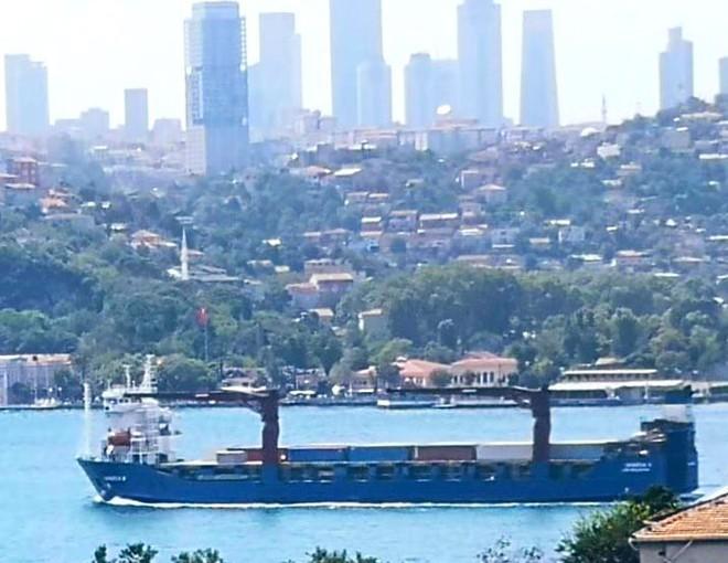 Tàu vận tải quân sự Nga ùn ùn tiếp hàng nóng cho Syria: Trận đánh rất lớn sắp bắt đầu - Ảnh 2.