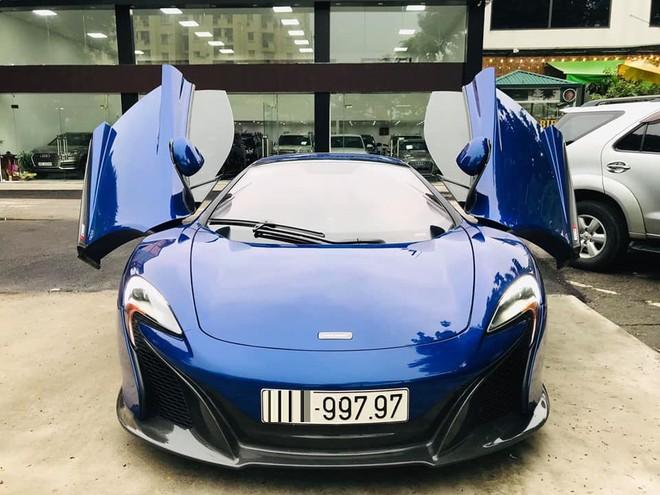 Ngắm siêu xe mui trần màu xanh cực độc, giá hơn 9 tỷ đồng ở Hà Nội - Ảnh 2.