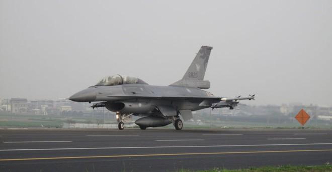 Mỹ bán F-16V cho Đài Loan: Đằng sau phản ứng giận dữ của TQ là gì? - Ảnh 1.