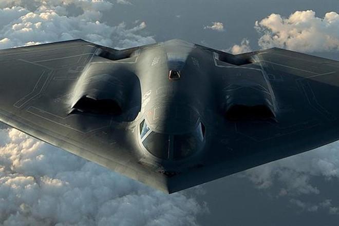 Mỹ đưa 3 máy bay ném bom tàng hình hạt nhân B-2 Spirit đến Anh - Ảnh 1.