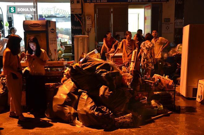 Hà Nội: Cháy dữ dội trong nhiều giờ tại nhà máy phích nước Rạng Đông - Ảnh 29.
