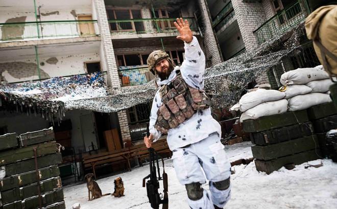 """Nhà tài phiệt """"chống lưng"""" tin đồn của tân TT Ukraine: Nga thua rồi, hãy buông bỏ Donbass đi!"""