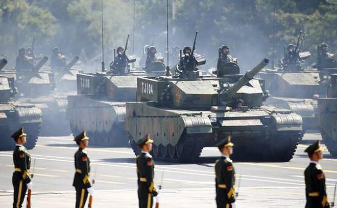 TQ thông báo tổ chức duyệt binh cực lớn, khoe vũ khí mới, mời cảnh sát Hồng Kông đến Bắc Kinh