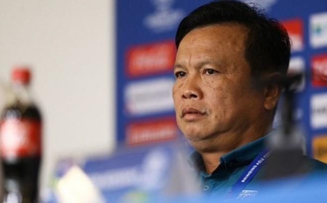 """Nội bộ Thái Lan lục đục, HLV Akira Nishino đột ngột """"trảm tướng"""" trước ngày gặp Việt Nam"""