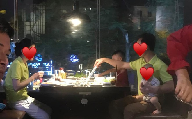 Cô vợ khiến cả nhà hàng ngưỡng mộ vì cưới được ông chồng đảm đang, một tay chăm cả 2 đứa con cho vợ ngồi thảnh thơi xơi nước