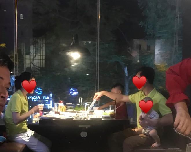 Cô vợ khiến cả nhà hàng ngưỡng mộ vì cưới được ông chồng đảm đang, một tay chăm cả 2 đứa con cho vợ ngồi thảnh thơi xơi nước - Ảnh 3.