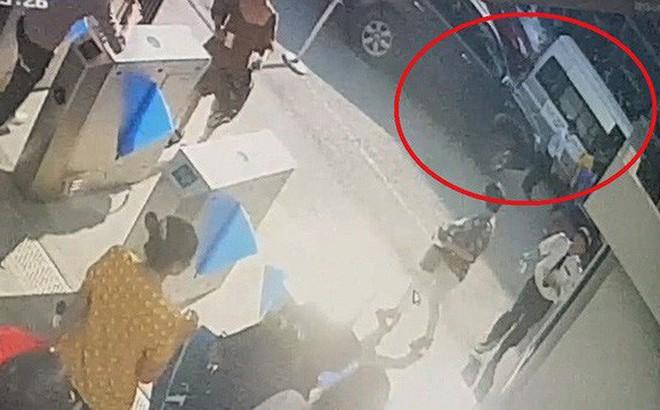 Vụ bé 6 tuổi trường Gateway tử vong: Thu thập camera dọc đường để xác định lộ trình chiếc xe đưa đón