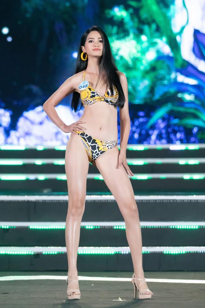 Người đẹp sinh năm 2000 - Lương Thùy Linh đăng quang Hoa hậu Thế giới Việt Nam 2019 - Ảnh 30.