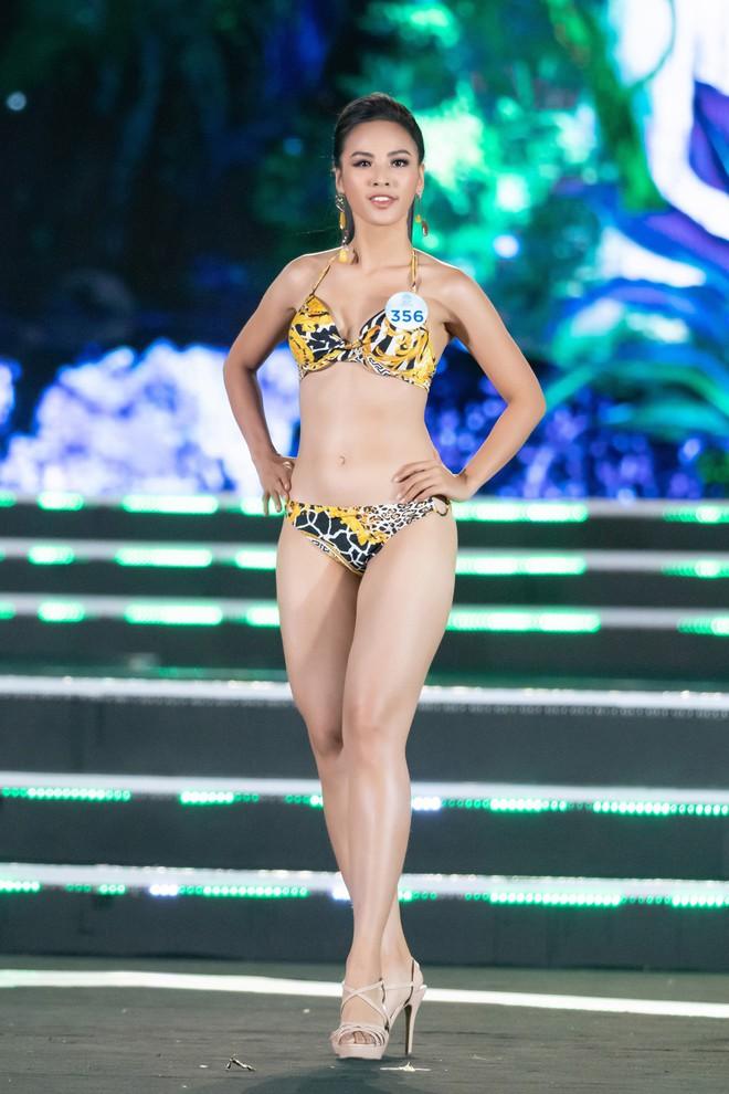 Người đẹp sinh năm 2000 - Lương Thùy Linh đăng quang Hoa hậu Thế giới Việt Nam 2019 - Ảnh 25.