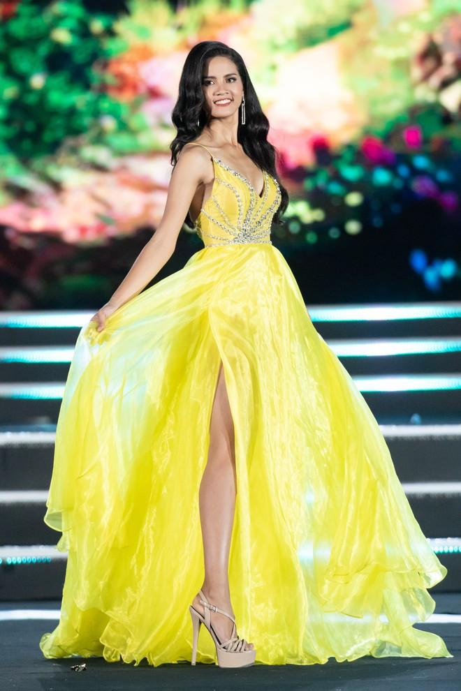 Người đẹp sinh năm 2000 - Lương Thùy Linh đăng quang Hoa hậu Thế giới Việt Nam 2019 - Ảnh 10.