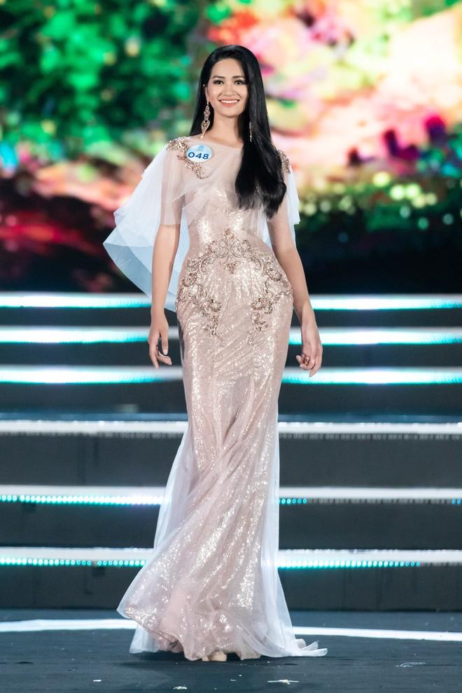Người đẹp sinh năm 2000 - Lương Thùy Linh đăng quang Hoa hậu Thế giới Việt Nam 2019 - Ảnh 11.