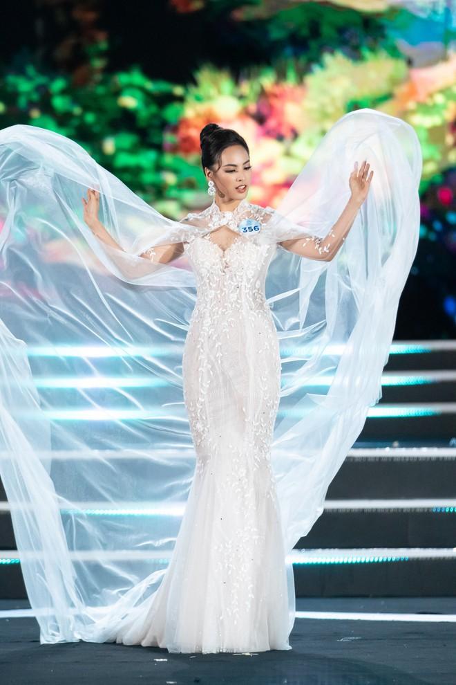 Người đẹp sinh năm 2000 - Lương Thùy Linh đăng quang Hoa hậu Thế giới Việt Nam 2019 - Ảnh 12.