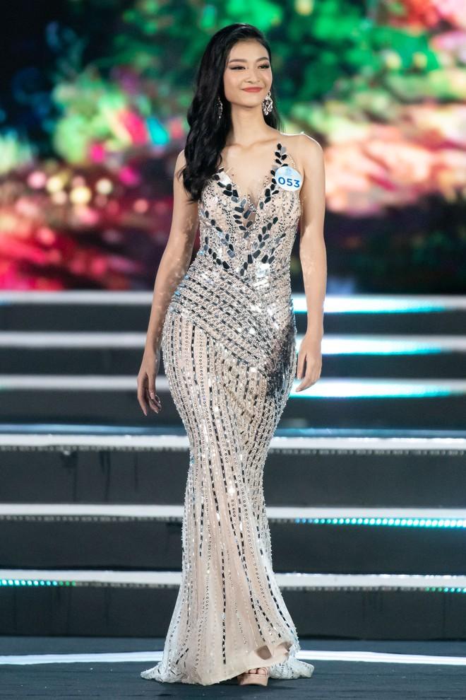 Người đẹp sinh năm 2000 - Lương Thùy Linh đăng quang Hoa hậu Thế giới Việt Nam 2019 - Ảnh 14.