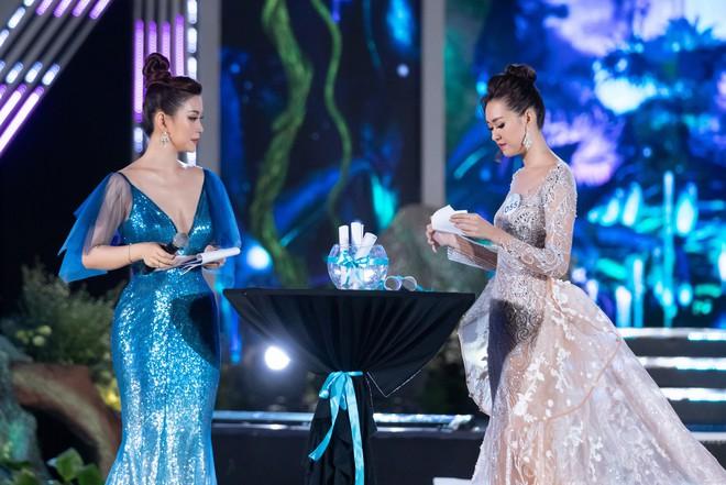Người đẹp sinh năm 2000 - Lương Thùy Linh đăng quang Hoa hậu Thế giới Việt Nam 2019 - Ảnh 7.