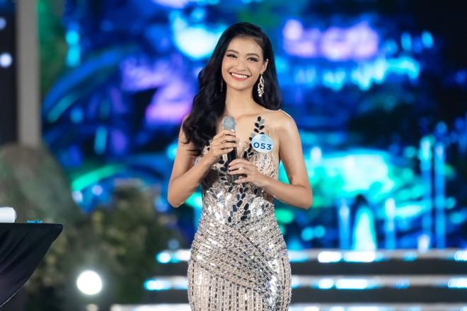Người đẹp sinh năm 2000 - Lương Thùy Linh đăng quang Hoa hậu Thế giới Việt Nam 2019 - Ảnh 6.