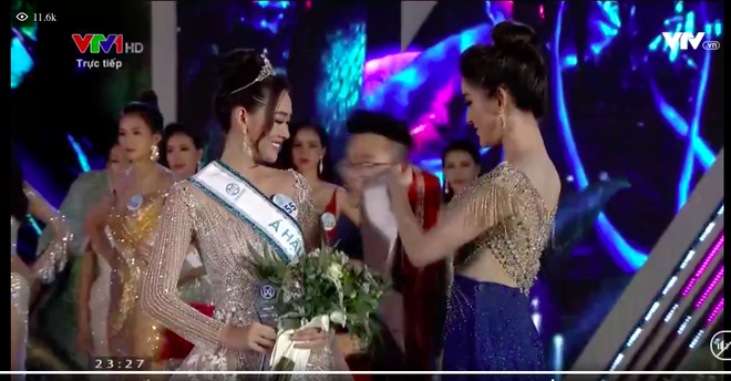 Người đẹp sinh năm 2000 - Lương Thùy Linh đăng quang Hoa hậu Thế giới Việt Nam 2019 - Ảnh 4.