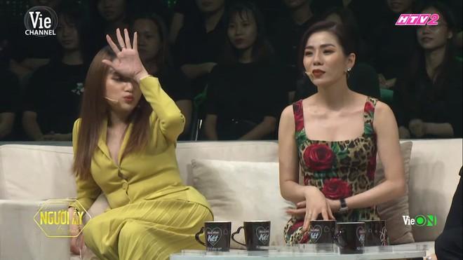 Trấn Thành bật khóc khi chuyện cầu hôn với Hari Won được nhắc lại - Ảnh 4.
