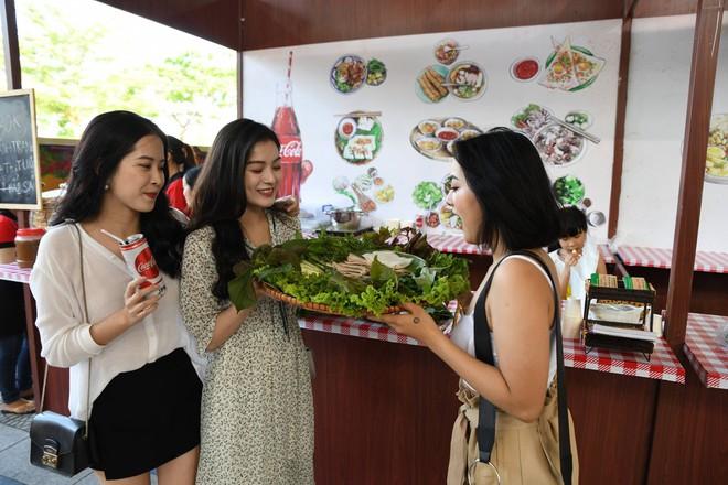 Cộng đồng Việt trẻ hào hứng với trào lưu rủ nhau đi dự lễ hội ẩm thực - Ảnh 1.