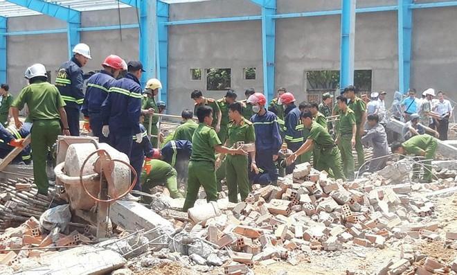 Kết luận giám định vụ sập tường khiến 7 người chết ở Vĩnh Long - Ảnh 2.