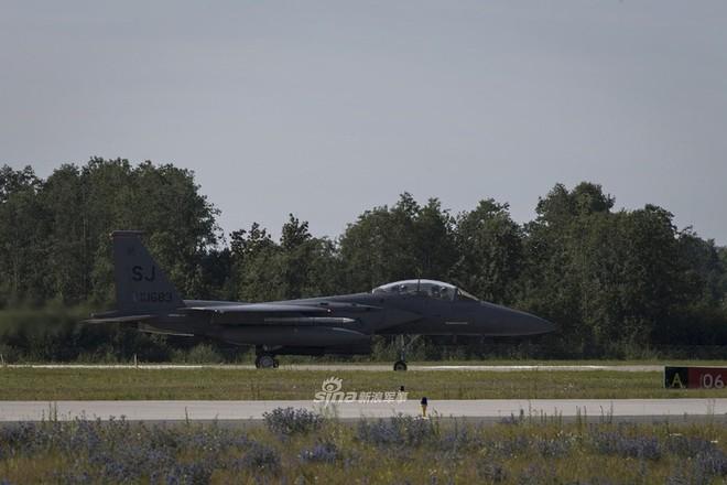Mỹ gây áp lực cực lớn lên Nga khi triển khai F-15E cách biên giới chỉ 230 km - Ảnh 12.