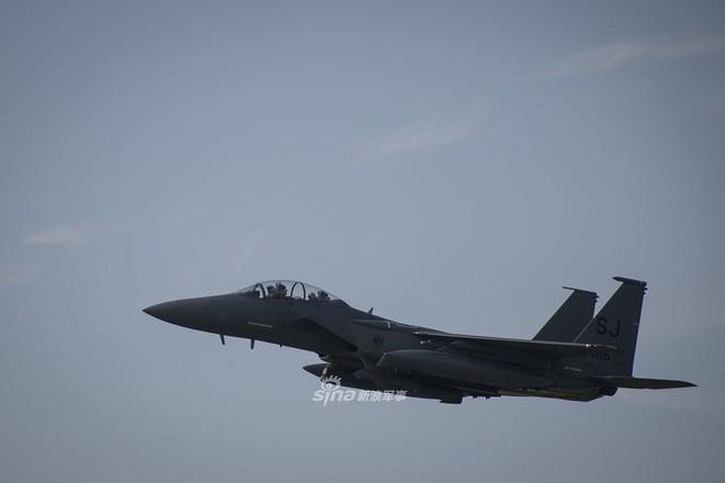 Mỹ gây áp lực cực lớn lên Nga khi triển khai F-15E cách biên giới chỉ 230 km - Ảnh 15.